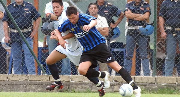 Francesco PISTOLESI con la maglia del Latina calcio - RIPRODUZIONE RISERVATA