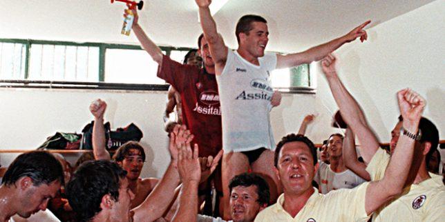 La gioia nello spogliatoio della Tivoli dopo il doppio successo negli spareggi nazionali